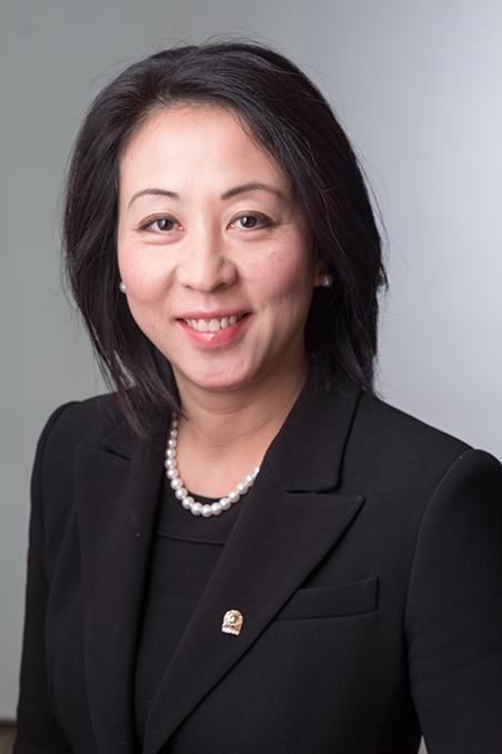 Wendy Lei headshot